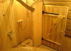Деревянные двери для парилки в бане